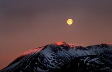 Moon at Sunrise, Black Mount