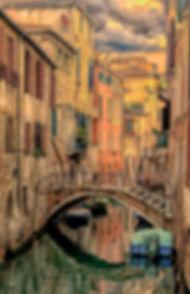 Venedig-hochkant-Kanal-Brücke-Seitengass