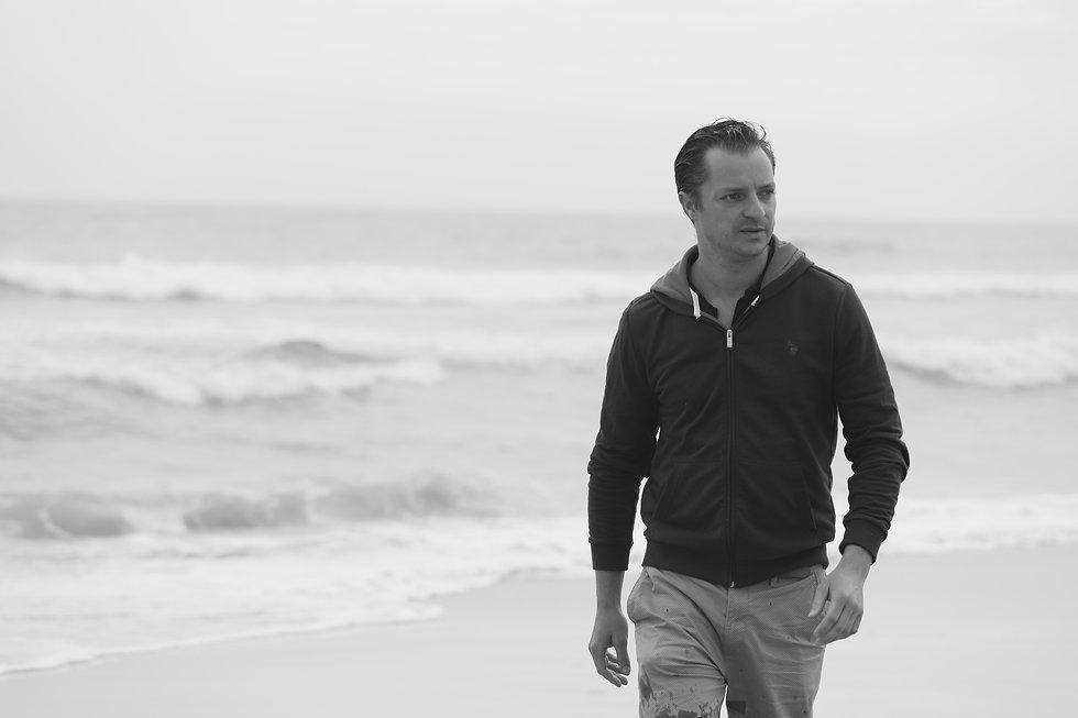 Christoph am Strand I.JPG