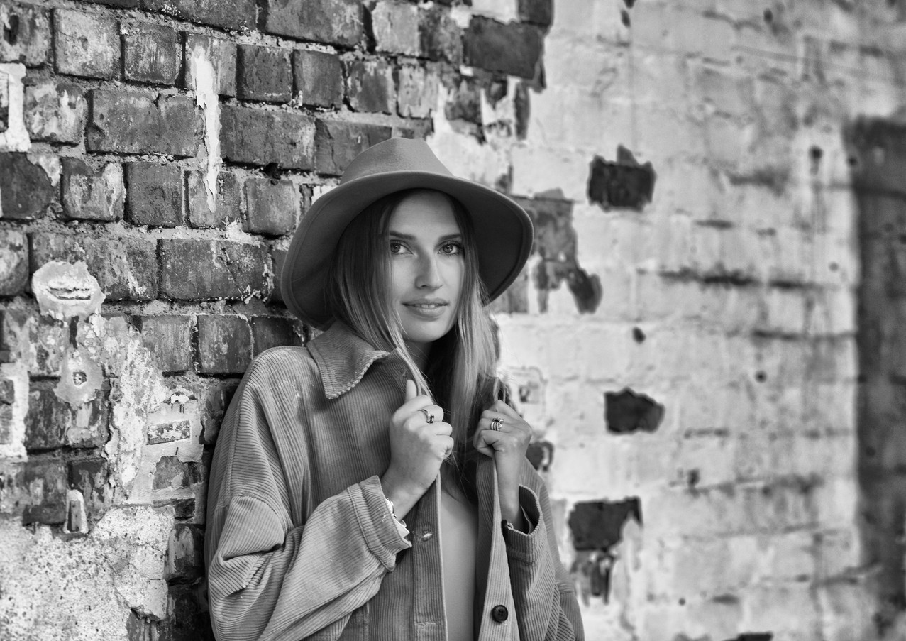 Vanessa-rote-mauersw.jpg