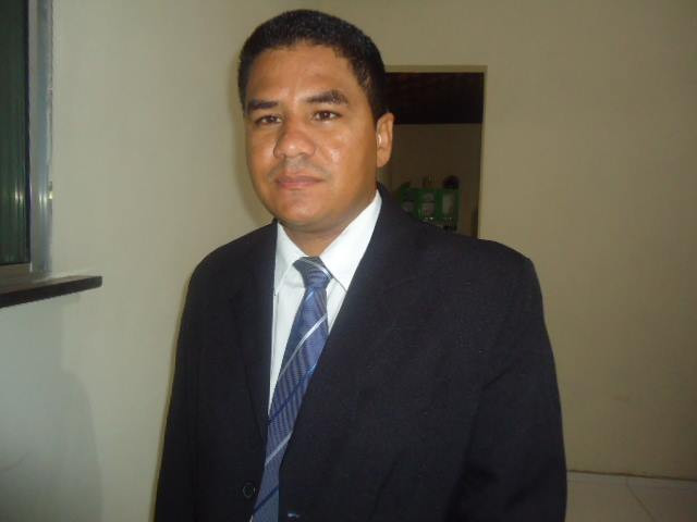 Prof. Adenildo Bezerra. Foto divulgação.