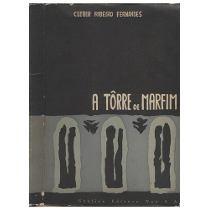 Capa do livro Torre de Marfim, escrito por Cleber Ribeiro Fernandes. Foto retirada da internet.