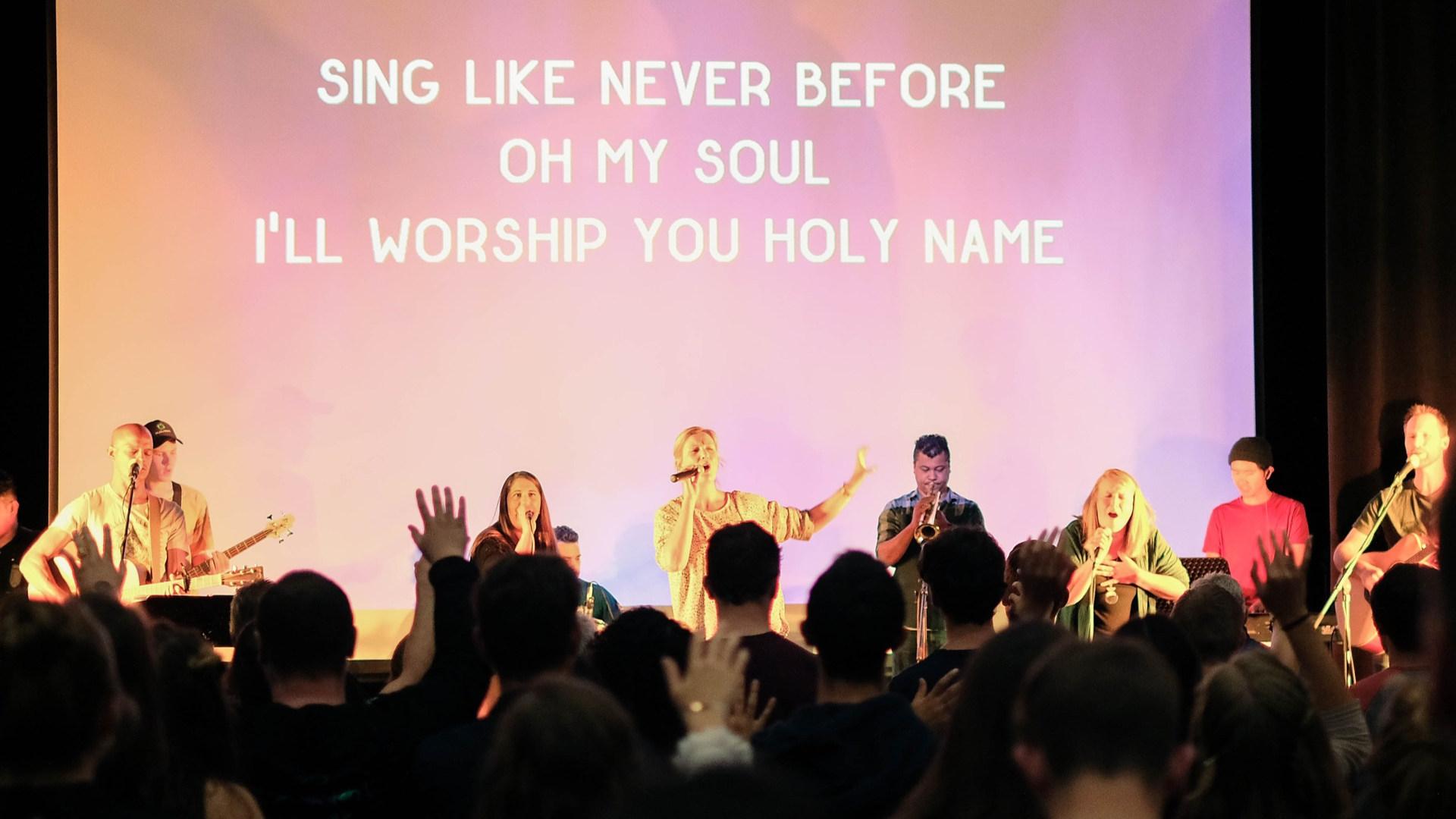 Worship%20night%20Gloria_General_edited.