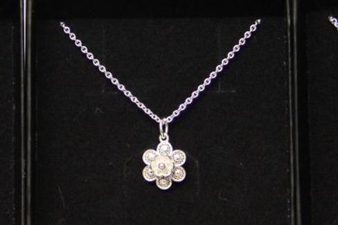 Trachtenblumen Halskette
