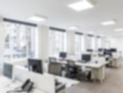 Bürobeleuchtung, Beleuchtung am Arbeitsplatz, Deckenleuchten, Panel, LED, LED-Panel, Downlights, Einbalechten, Effizient, Effizienz, Lichttechnik
