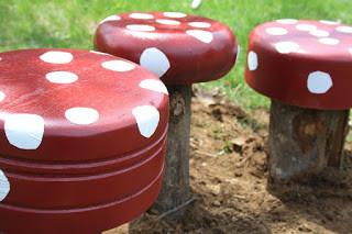 בניית קישוטי פטריות לגינה בעצמכם