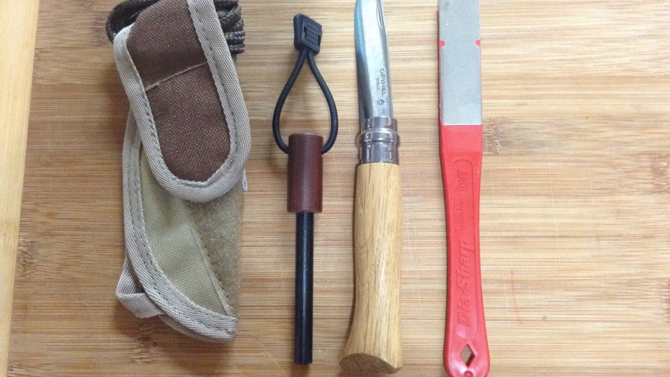 סט הדלקת אש עם סכין אופינל מתקפלת סטיינלס מס 8