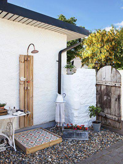 עיצוב נחמד להשתמש במבנה אחר כגב המקלחת