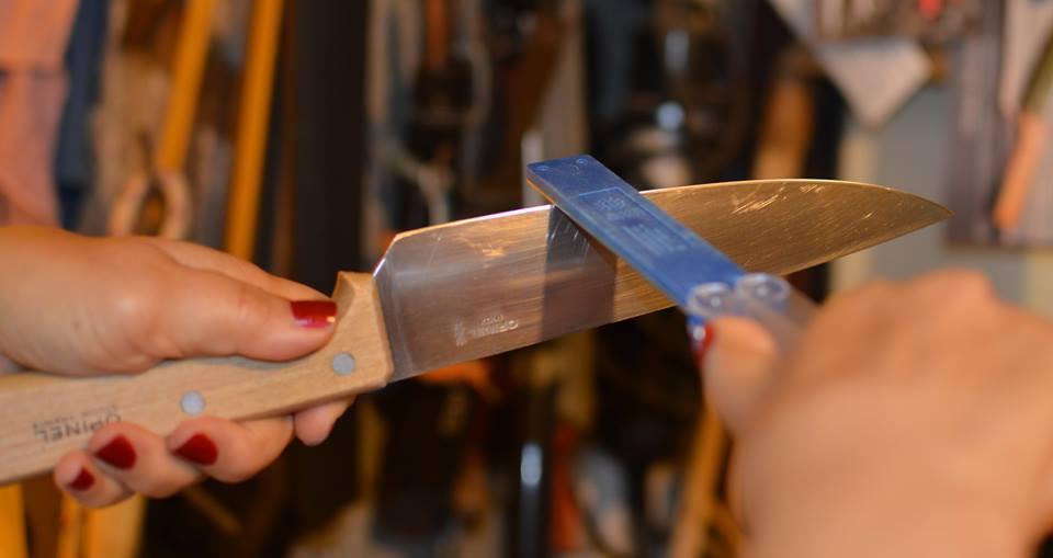 אופינל מטבח קלאסי  סכין שף 118 משחיז יהלום חד צדדי