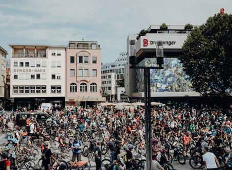 MTB-Demo: Hunderte demonstrieren für ein legales MTB-Trailnetz in Stuttgart