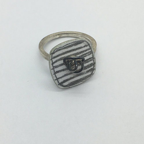 RBJR12 Squiggle Ring