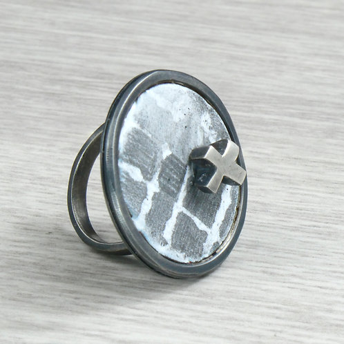 RBJR25 Round Ring with Cross
