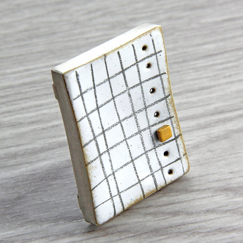 RBJB7 Box Brooch