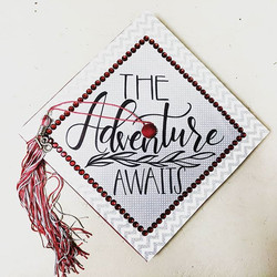 It's that time of year again! The schedule is filling up with lots of graduation projects! ♥️