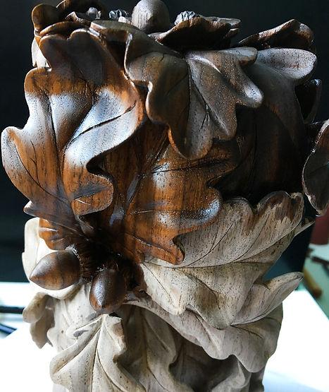 Покрытие маслом, резьба по дереву дубовые листья