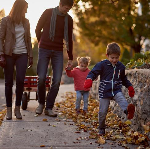 GOLDEN HOUR FAMILY SESSION IN HINTONBURG