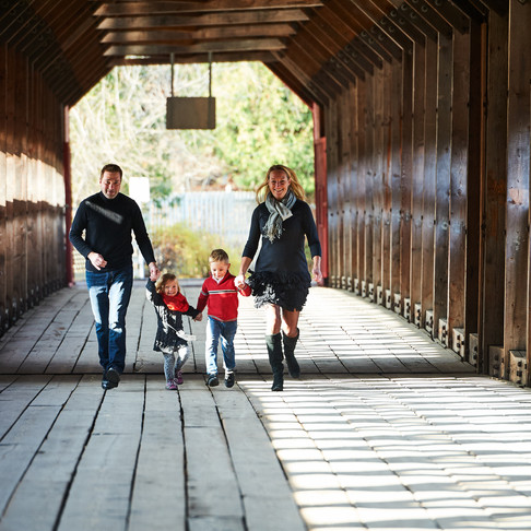 FALL FAMILY SHOOT IN WAKEFIELD, QC