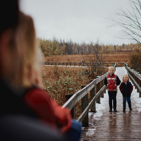 WINTER FAMILY PHOTOS AT MER BLEUE BOG