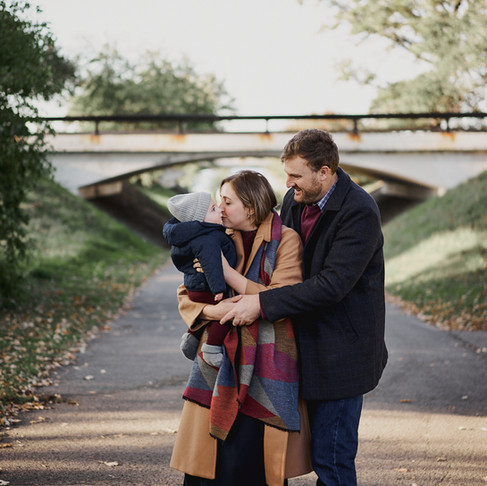 FALL FAMILY PHOTOS BY THE OTTAWA PARKWAY
