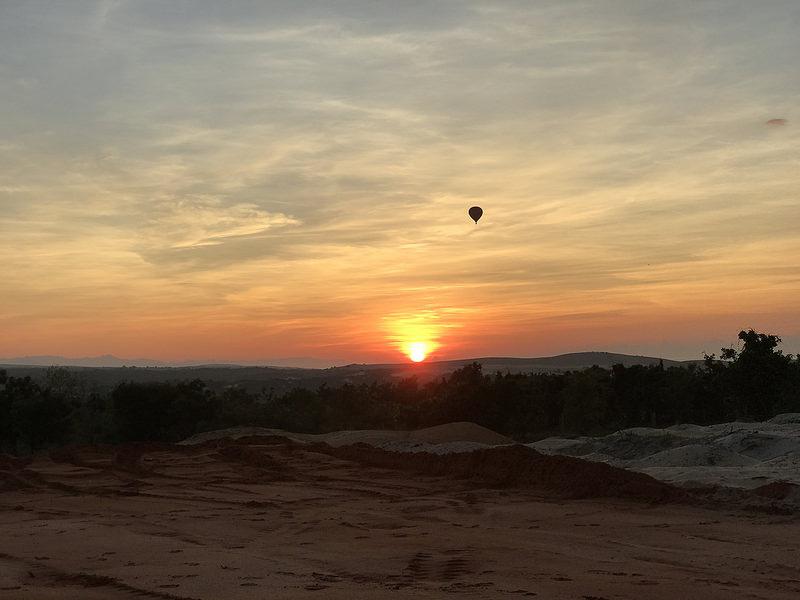sunrise, white sand dunes, Mui Ne