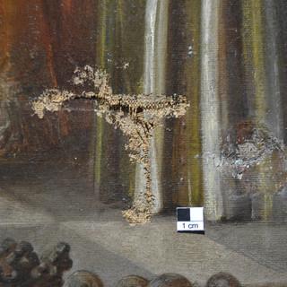 Leinwandgemälde mit einer Durchstoßung der Leinwand vor der Restaurierung