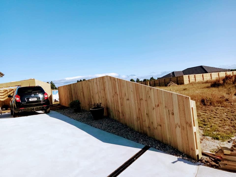 Basic 1.8 fence uncapped