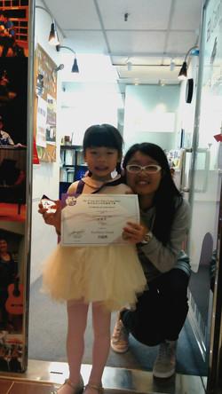 指導老師 Miss Leung與Preliminary A組鋼琴大賽卓越