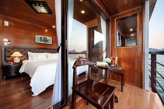 Single & double private rooms