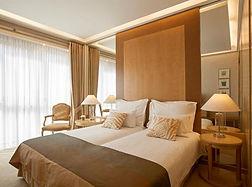 100MeliaAthens-Melia_Guestroom2.jpg
