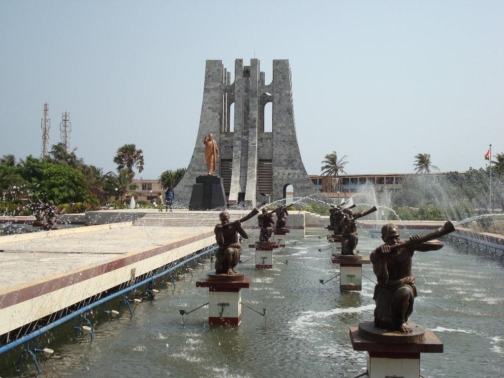 Kwame-Nkrumah-Mausoleum-and-park.jpg