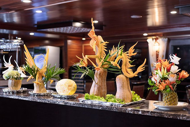 There will be an inviting happy hour back aboard the Cruise as the sun begins to set over the bay. Our chef will host a fun and engaging cooking class.