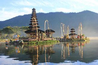 Ulun Danu Bratan Temple, Tabanan, Bali.j