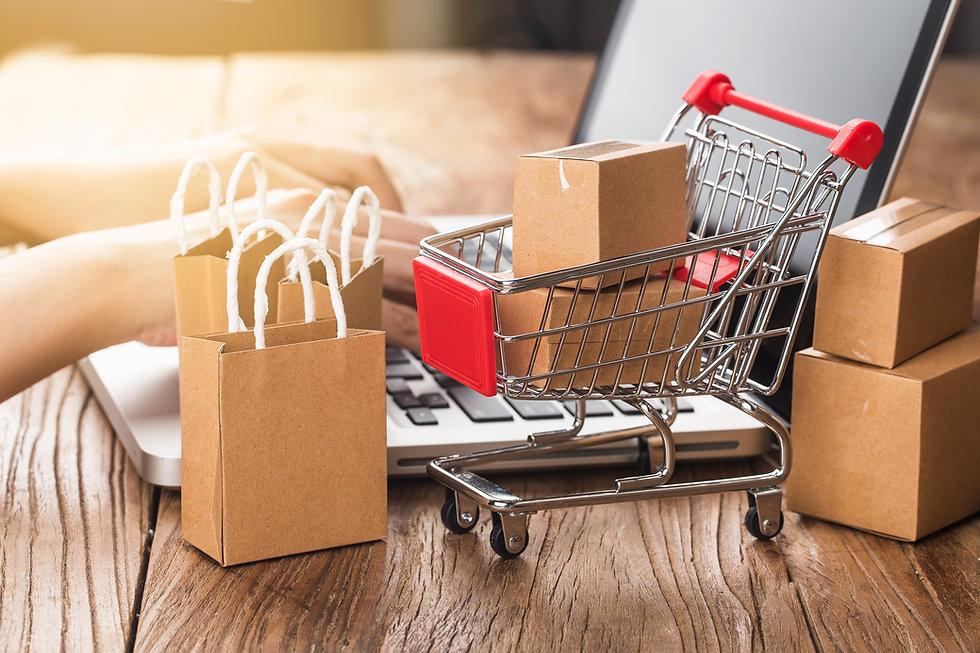 shopping-online-home-concept-cartons-sho
