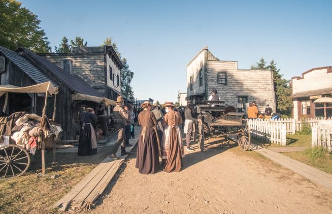 Le village en tournage