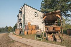 Les facades du village Canadiana