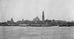 PORTO DE BOSTON (IMAGEM DA BOSTON PUBLIC LIBRARY, LESLIE JONES COLLECTION).