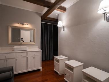 Preme Spa Thai Massage Room Door Way.jpg