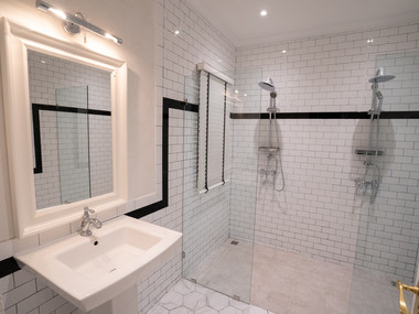 Preme Spa Shower Room.jpg
