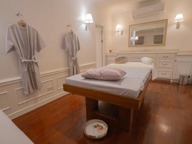 Preme Spa Couple Room Aroma Bed.jpg