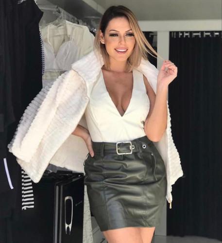 Jaqueta de pelinho com forro R$50,00 For