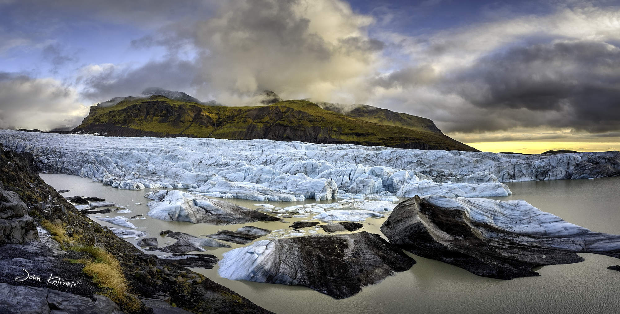 stock-photo-skaftafell-glacier-iceland-2