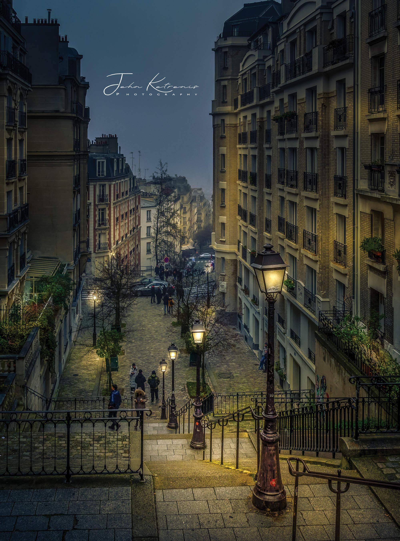 stock-photo-montmartre-paris-1008759710.