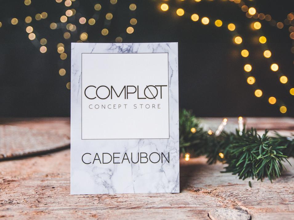 Cadeaubon complot concept store