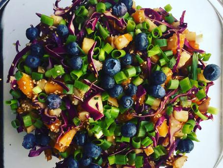 Salat med skønne smage og farver