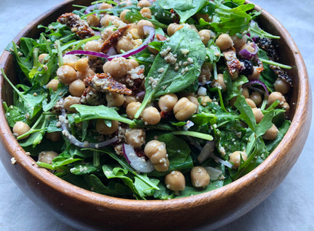 Middelhavsinspireret salat med parmesesam
