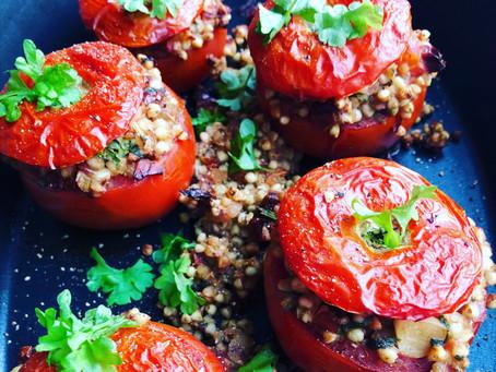 Fyldte tomater med boghvedefyld