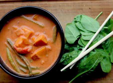 Rød curry med sødkartofler og grønne bønner