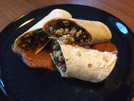 Wraps med spicy gulerodsspread