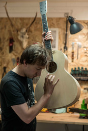 blind guitars-luthier