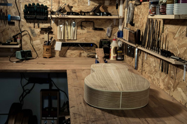 blind guitars-atelier